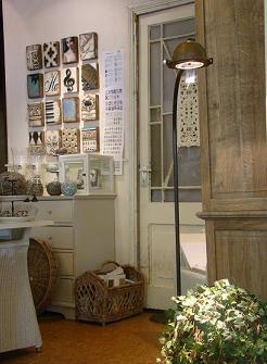 http://www.jolijt.com/lamp1.jpg